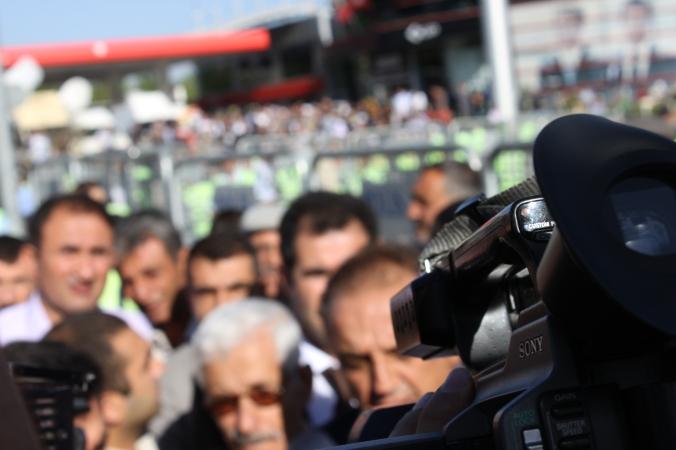 BDP:s Sirri Sakik på väg till rättegången
